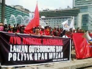 Gubernur Telah Mengesyahkan UMK Buruh Se Jatim Tahun 2015