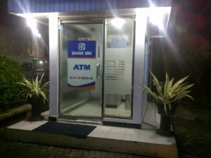 Bantu Keluarkan Kartu ATM, Kuras Puluhan Juta Uang Di Rekening