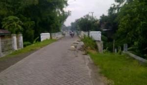 Warga Resah Jembatan Tidak Segera Diperbaiki