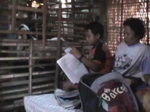 JandaBersama Anak, Berbagi Rumah Dengan Kambing