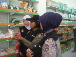 Razia Jelang Bulan Ramadhan, Temukan Barang Tidak Layak Jual