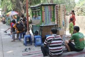 PKL Alun-Alun Nganjuk Keluhkan Pungli Dari Satpol PP