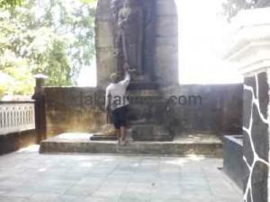 Jelang Bulan Suro, Situs Petilasan Sri Aji Jaya Baya Mulai Dibersihkan