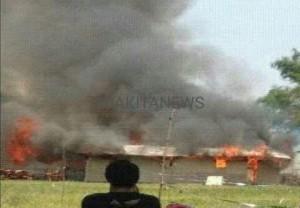 Bedeng Pekerja Gedung DPRD Ludes Terbakar