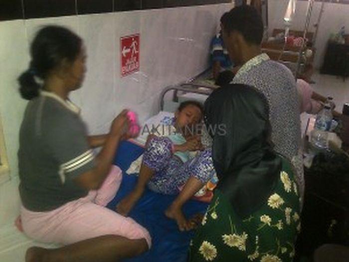 Banjir Pasien DBD, RSUD Jombang Terlantarkan Pasien di Lorong