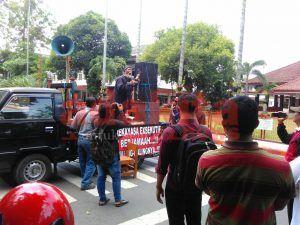 Siapa Berani Seret Inisiator Korupsi Kain Batik?