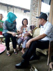 Bupati Beserta Ketua LPA Nganjuk Bebaskan Pengobatan Dua Balita Tanpa Anus