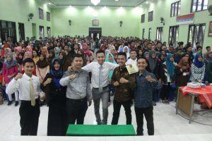 Syafii Efendi Trainer dan Motivator Termuda no.1 Indonesia Inspirasi Pelajar Kediri