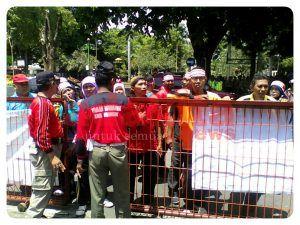 Demo Hari Ke-2, GTT/PTT Masih Belum Ditemui Bupati