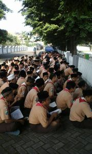 Parade SMP ISWADA, Peringati Hari Pahlawan
