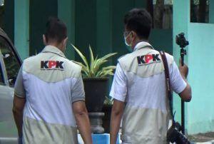 Geledah Tiga Dinas PU di Nganjuk, KPK Tanya Soal 2 Mobil Damkar