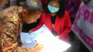 Puluhan Mahasiswa Galang Dukungan untuk Gunung Emas Papua