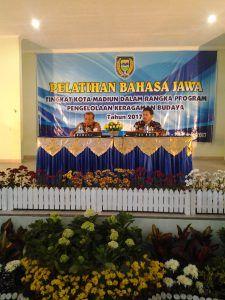 Latih Guru Bahasa Jawa se-Kota Madiun