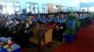 1.548 Mahasiswa UN PGRI Kediri Jalani Wisuda