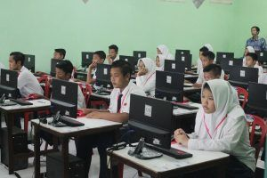 Bupati Sidoarjo Janjikan 1.500 Unit Komputer untuk UNBK