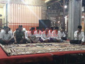 Malam Tirakatan HUT RI ke-72, Warga Dusun Wonodadi Buat Ribuan Berkat