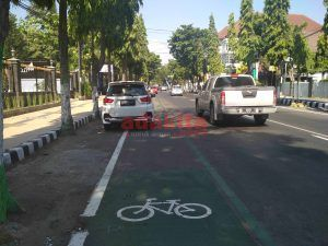 Jalur Sepeda Boleh Dipakai Parkir?