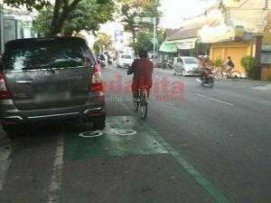 Jalur Sepeda Di Kediri Masih Sering Disalahgunakan
