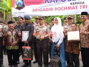 Punya 64 Anak Asuh, Personel Brimob di Madiun Diberi Penghargaan Kapolda