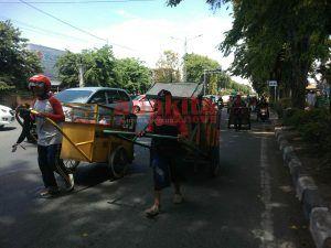 TPST Lingkar Timur Ditutup, Puluhan Pemungut Sampah Berjalan Kaki Ke TPA Jabon