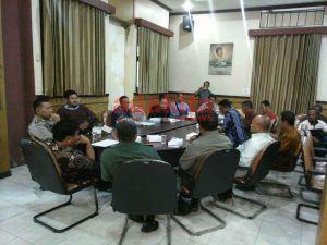 Bahas Penutupan TPST Lingkar Timur, DLHK Gelar Pertemuan Dengan Penggerobak Sampah