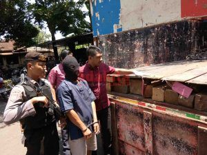 Pencuri Kayu Jati Sengaja Desain Alas Truk Untuk Kelabui Petugas