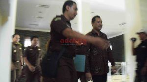 Dua Oknum Guru SMPN 2 Tulungagung Ditahan Kejaksaan Terkait Pungli