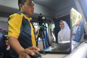 Dispendukcapil Kota Madiun Lakukan Perekaman Data e-KTP Di Sebelas Sekolah