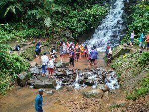 Kawasan Wisata Irenggolo dan Dholo Diserbu Pengunjung Luar Kota