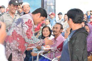 BLSM Untuk 5 Kelurahan Diserahkan Langsung oleh Walikota
