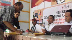Dua Bakal Calon Bupati Ambil Formulir Pendaftaran di KPU Tulungagung