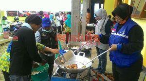 Dapur Umum Pengungsian Habiskan 2 Kuintal Beras Dalam Sehari