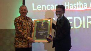 Puncak HPN, PWI Kediri Anugerahkan 8 Lencana Hasta Adhi Warta
