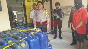 Jadi Pengepul Arak Jowo, Janda di Blitar Ditangkap Polisi