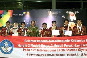 Siswa Indonesia Boyong 3 Emas pada Olimpiade Internasional di Thailand