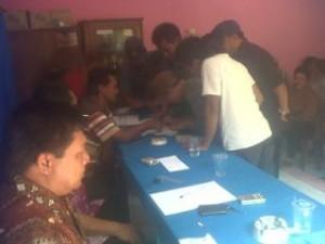 Disaksikan ketua RT, Ketua RW dan Kepala kelurahan Guyangan, warga tanda tangan tolak penutupan lokalisasi PSK Guyangan