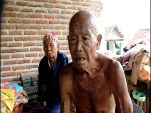 Pasutri lansia miskin korban puting beliung 7