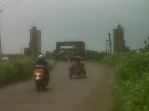 F- Jembatan lama Kertosono yang menghubungkan Kabupaten Nganjuk dan Kabupaten Kediri