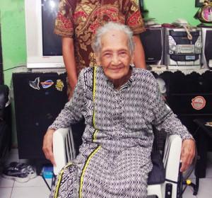 Komunitas Musik Indoreggae Salurkan Bantuan Kursi Roda
