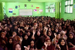 """Ribuan Remaja Putri dan Wanita Usia Subur, Launching """"Gelang Mia"""""""