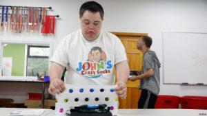 Kisah Sukses di Balik Crazy Socks