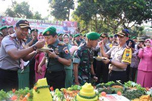 Menengok Suprise HUT TNI Di Kodim 0809 Kediri Oleh Polisi Kediri
